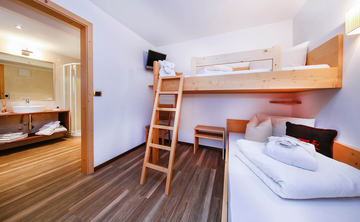 family room puez for 2 5 people hotel valpudra