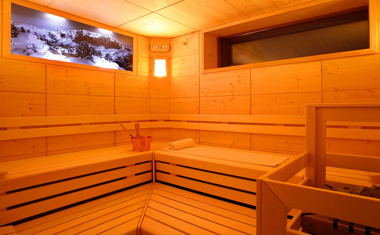 wellness sauna hotel valpudra s wolkenstein in gr den dolomiten s dtirol. Black Bedroom Furniture Sets. Home Design Ideas